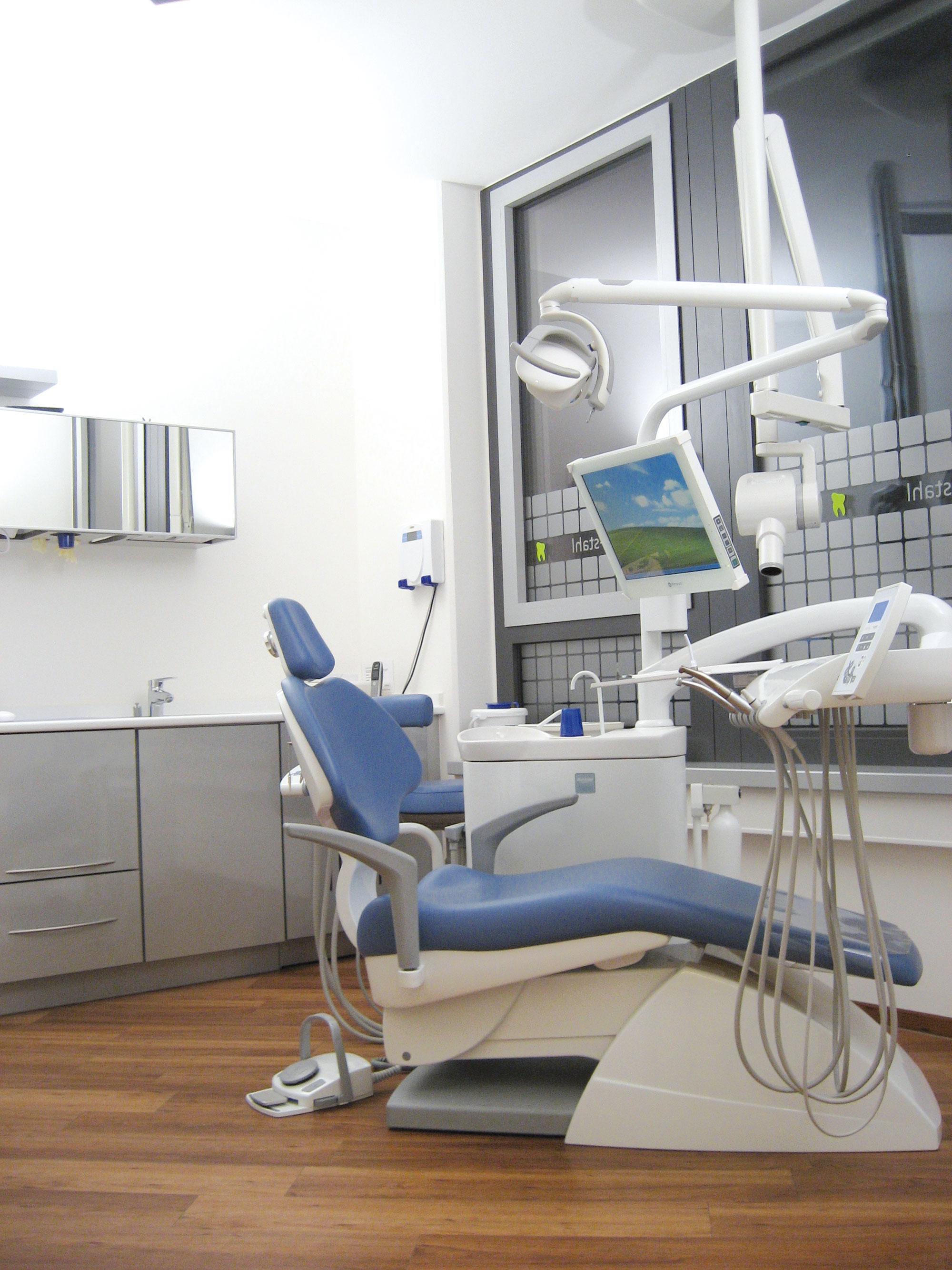 Behandlungszimmer Praxis Dr. Müller-Stahl
